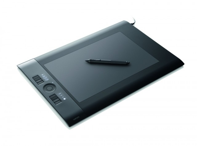 intuos4_large_elevangle_009_a01