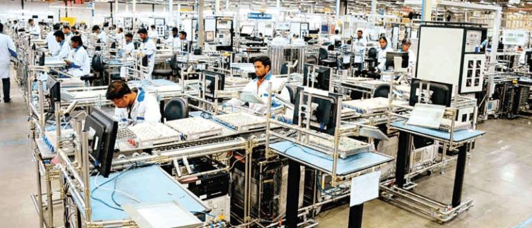Výroba iPhonů v Indii posiluje. K Foxconnu se přidává Pegatron, který má pobočku i v ČR