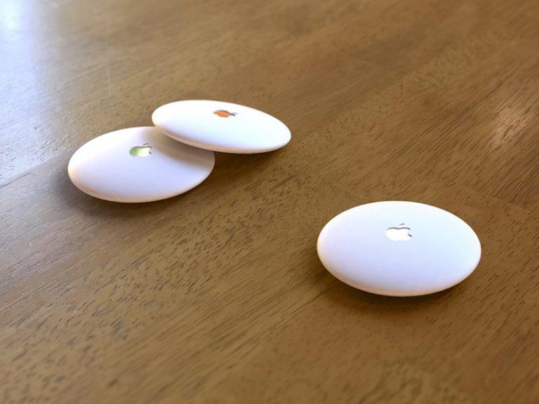 """Bezdrátové lokalizační štítky: přezdívané """"AirTags"""", jejich existenci potvrzuje samotný iOS 13. Místo Bluetooth nebo Wi-Fi budou vybaveny technologií Ultra Wideband."""