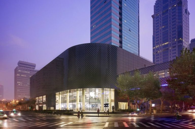 Apple znovu otevírá prodejny Apple Store v Číně. Evropu a USA čeká opak