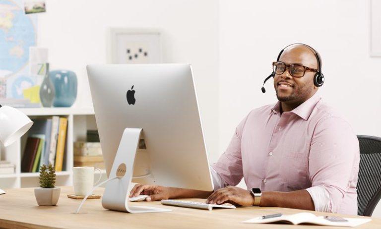 """Zaměstnanci Apple Storů dostávají šanci pracovat z domu. Firma jim posílá 27"""" iMac"""