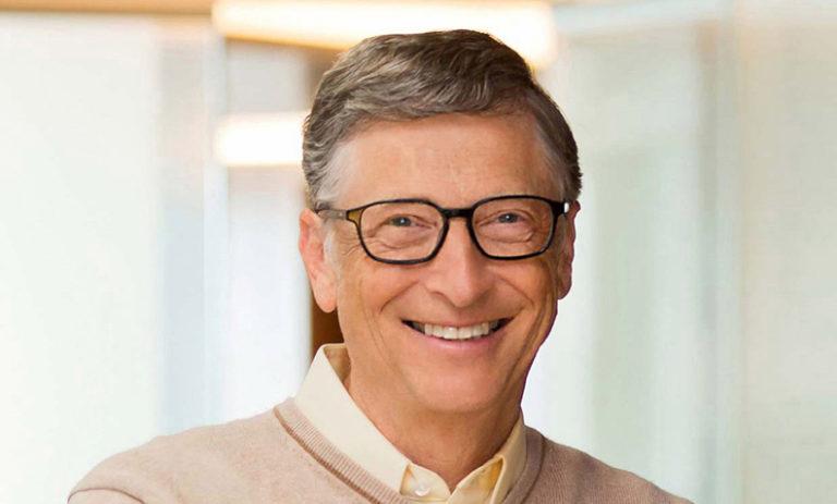 Bill Gates používá iPhone i Android. Ale upřednostňuje Android kvůli předinstalovaným aplikacím