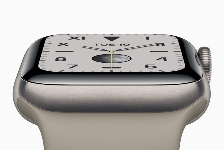 Titanové Apple Watch Series 6 se patrně zcela vyprodaly