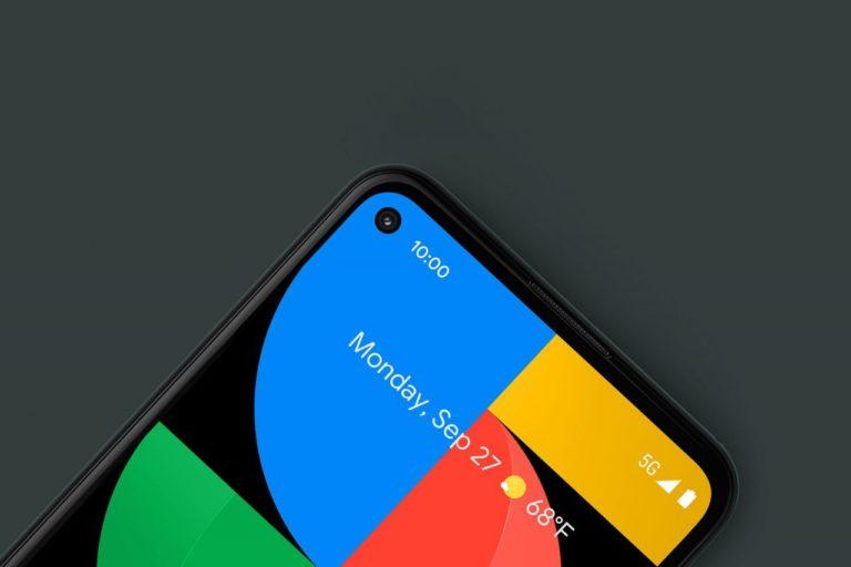 Google si v reklamě na Pixel 5a se sluchátkovým konektorem utahuje z Applu a Jony Ivea
